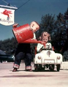 fill'er up, please! playing grown-up - what fun!........what a wonderful memory! Thank you to the previous pinners for this picture ~j