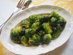 Pirjo Toikkanen keksi toimivan niksin ruusukaaleille - tätä ohjetta kehuvat kaikki Green Kitchen, Sprouts, Food And Drink, Keto, Fresh, Vegetables, Cooking, Kitchen, Vegetable Recipes