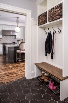 27 Mudroom Ideas to Get Your Ready for Fall Season Mudroom bench Small Mudroom ideas entryway Mudroom organization Wonderful Laundry Room Tile Pattern Ideas Home Interior, Interior Design, Mudroom Laundry Room, Bench Mudroom, Closet Mudroom, Room Tiles, Entryway Decor, Entryway Ideas, Small Mudroom Ideas