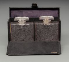 R. Lalique Clear Glass Entrelacs for Volnay .Circa 1925. Molded R. LALIQUE.