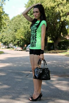 This outfit is fabulous, great way to wear those graphic T's without looking like a 10 year old