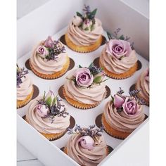 Easy and moist homemade chocolate rosemary cupcakes recipe from scratch topped with Italian blackberry buttercream. Flower Cupcakes, Fun Cupcakes, Wedding Cupcakes, Birthday Cupcakes, Cupcake Cakes, Cupcakes Design, Lemon Cupcakes, Strawberry Cupcakes, Baking Cupcakes