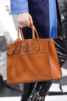 3c1f46fbdc Louis Vuitton Fall 2016 Ready-to-Wear Fashion Show