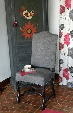 Chaises de style Louis XIII entièrement restaurées