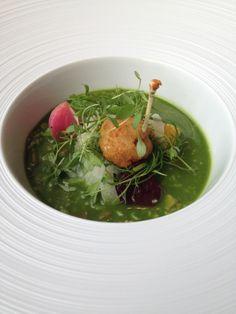 Savoury Porridge: patas de rã à milanesa, sementes de beterraba defumadas, alho, funcho e salsa. Receita do ano 1660...