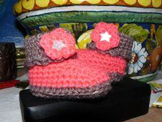 crochet boots scarpina rosa e marrone https://www.facebook.com/UnaTiraLAltra http://ricamomagliaecucito.blogspot.it/