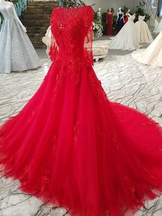 Haute Couture Red Wedding Gown Lace Bridal Dress O Indian Wedding Gowns, Muslim Wedding Dresses, Couture Wedding Gowns, Wedding Hijab, Bridal Dresses Online, Dress Online, Long Red Evening Dress, Floral Applique Dress, Wedding Dress Shopping
