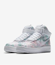 Nike just dropped the Air Force 1 Upstep Hi LX, a. unicorn Air Force which are a sequined version of the brand's classic high-top sneakers. Cute Sneakers, Cute Shoes, Me Too Shoes, High Top Sneakers, Sneakers Nike, Nike Air Force, New Air Force 1, Moda Converse, Converse Style