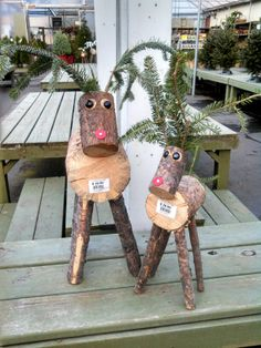 These adorable reindeer are made out of small tree logs, 2 black flat mancala rocks, and a red roofing nail. You can add cedar antlers and tail or use wooden branches in the place of the cedar. Outdoor Christmas, Homemade Christmas, Rustic Christmas, White Christmas, Christmas Holidays, Christmas Ornaments, Christmas Projects, Holiday Crafts, Holiday Fun