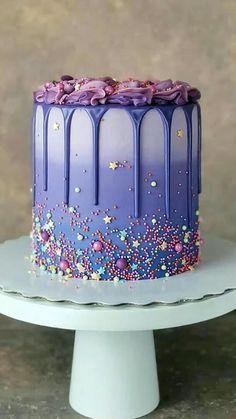 Beautiful Cake Designs, Cool Cake Designs, Beautiful Cakes, Amazing Cakes, Cool Cake Ideas, Simple Birthday Cake Designs, Cake Designs For Kids, Simple Birthday Decorations, Beautiful Desserts