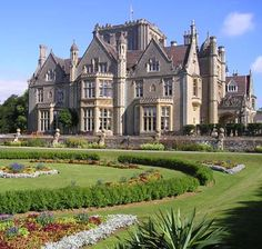 Tortworth Court Four Pillars Hotel wedding venue, Wotton-under-Edge, Gloucestershire is available for civil ceremony weddings and wedding receptions. Victorian Architecture, Beautiful Architecture, Beautiful Buildings, Beautiful Homes, Mega Mansions, Old Mansions, Mansions Homes, Second Empire, Exterior