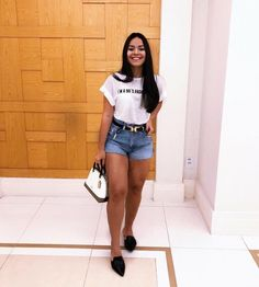 42 Süße Sommer-Shorts Denim für To Try Today - Summer Outfit - Shorts Summer Fashion Outfits, Short Outfits, Chic Outfits, Trendy Outfits, Look Short Jeans, Look Con Short, Edgy Style, Feminine Style, Teenager Fashion Trends