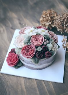 Rice Cake https://www.instagram.com/d.storycake/ #wedding #weddingcake #yum…