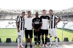 Juventus Juventus Soccer, Sports Marketing, Sports News, Jeep, Fashion Dresses, Football, Nike, Club, Style