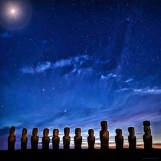 Bodhi Smith Photography   -  Under the heavens at Ahu Tongariki, Easter Island