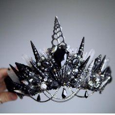 Mermaid Crown, Lace Mermaid, Wedding Dress Black, Wedding Dresses, Shell Crowns, Crystal Crown, Crystal Headband, Crown Headband, Maquillage Halloween