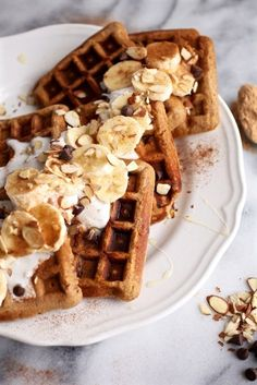 Maca Almond Banana Chocolate Chip Waffles // Grain & Dairy Free via Nutritionist in the Kitch Dairy Free Waffles, Pancakes And Waffles, Waffle Recipes, Brunch Recipes, Breakfast Recipes, Tasty, Yummy Food, Crepes, Beignets