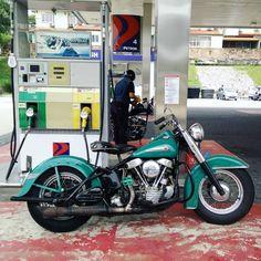 Harley Panhead, Harley Davidson Panhead, Vintage Harley Davidson, Old Motorcycles, Cycling Quotes, Classic Bikes, Cool Bikes, I Shop, Bobbers