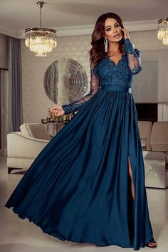 Prom Dresses Lace Sleeves, Bad Dresses, Navy Prom Dresses, Lace Dress Styles, Long Prom Gowns, Stunning Prom Dresses, Elegant Dresses For Women, Hijab Dress Party, Maxi Dress Wedding