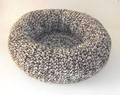 Resultado de imagem para como fazer cama de gato de croche