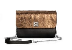 De Marquet - Night&Day: The Night&Day is a very versatile handbag with interchangeable covers that adapts to your style. This model features a black base and a copper cover. Find your combination at www. Copper Metal, Day Bag, Day For Night, Metallic Leather, Finding Yourself, Your Style, Base, Cover, Blankets