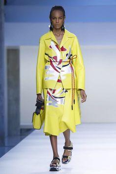 Marni Ready To Wear Spring Summer 2015 Milan...Beautiful leather work!!!