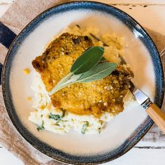 Pork Cops with Apple Sage Mash. This Crumbed Pork Chops with Apple Sage Mash is perfect comforting autumn food. All the best flavors that go with pork. Pork Recipes, Fall Recipes, Pork Cops, Slow Roast Lamb, Vegetables For Babies, Pork Schnitzel, Easy Weekday Meals, Apple Pork Chops, Rich Recipe