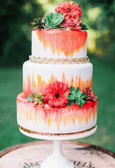 Wedding cake inspiration, wedding cake ideas for autumn wedding.