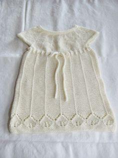 Retrokjole med blad ca 1 år. Sweaters, How To Make, Fashion, Moda, Fashion Styles, Sweater, Fashion Illustrations, Sweatshirts, Shirts