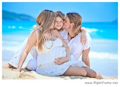 http://www.rightframe.net – Hawaii maternity photography in Waimanalo Beach, (next to Bellows Beach ) Hawaii. Oahu, couple, family, photographer, photography, photographers, professional, fun, pregnancy, Belly Bump.