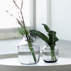 Muuto Silent Vase Wanted! Elegant, Sliders, Planting Flowers, Garden Design, Glass Vase, Interior Decorating, Green, Inspiration, Muuto