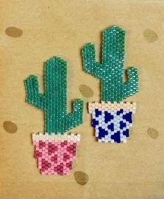 Le monde entier est un cactus, il est impossible de s'asseoir !!! #Miyuki #perlesmiyuki #miyukidelica #miyukibeads #diy #brickstitch #handmade #cactus #cactuslover #graphic #geometric #pink #blue #love #jenfiledesperlesetjassume #jenfiledesperlesetjaimeca #motifcharlottesouchet Charlotte Souchet ©