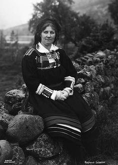 Galleri NOR; Setesdal - Bygland, 1 kone, Gunhild Nesse 1929