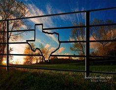 What a beautiful site! Texas Farm, Texas Ranch, Only In Texas, Farm Photography, Texas Forever, Loving Texas, Texas Pride, Entrance Gates, Front Gates