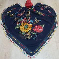 @atolye.rengarenk Sipariş ve bilgi için  @atolye.rengarenk  @atolye.rengarenk . . . #igneoyasi #igneoyalari #dantel #çeyiz #ceyizhazirligi  #havlukenari #siparis  #elemeği #istanbul #ankara #örgü #ceyizlik #crochet #handmade #mekik #needlework #needlelace  #oyamodelleri #bursa  #cicek #flowers