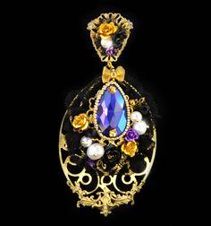 GIOCONDA - Purple Baroque Earrings (Dolce Swarovski Pearls 24k)