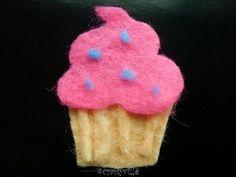 how to make a cupcake felt-magnet