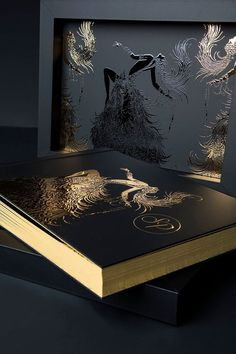 Here is David Bastianoni's book created by the intense use of the Hot Stamping methodology. The internal pages will hold Polaroid photos. Absolutely unique and special. #graphistudio #youngbook #gold #weddingbook #design #ideas #photography