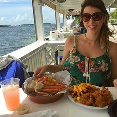 Geente, comecei os posts no blog sobre a viagem de Miami. 🌴☀️🐬 O primeiro é sobre a mini trip para Florida Keys, especial para quem ama praia e frutos do mar. Eu amo! Alguém do meu clube? -> renatacastello.com.br . #Miami #Florida #praia #beach #FloridaKeys #Keys #viagem #travel #foodporn  Yummery - best recipes. Follow Us! #foodporn