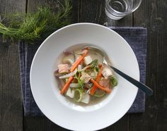 Kremet fiskesuppe med torsk og laks Cod Recipes, Family Meals, Thai Red Curry, Ethnic Recipes, Food, Cod Fish Recipes, Essen, Meals, Yemek