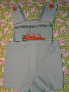 Carrot Patch smocking plate set into a Jeffrey shortall.