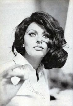 sophia_loren-1963-by_basch