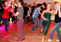 Dance hours and geopolitical parallells - Salsa i Stockholm