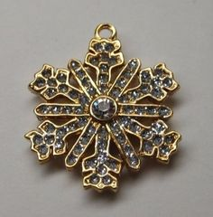 VINTAGE SIGNED MONET SNOWFLAKE  CHARM. GOLD TONE CRYSTAL RHINESTONE in Jewelry & Watches, Vintage & Antique Jewelry, Costume, Designer, Signed, Necklaces & Pendants   eBay
