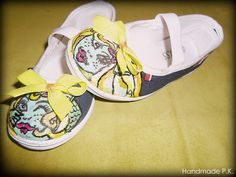Handmade shoes for a little girl. Very colorful and perfect for spring! ;)