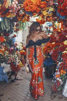 Alex Hoyos und Cartagena â € žla fantásticaâ € œ ein Geheimtipp &; Alex Hoyos und C&; Alex Hoyos und Cartagena â € žla fantásticaâ € œ ein Geheimtipp &; Alex Hoyos und C&; Hippie Chic Outfits, Hippie Style Clothing, Boho Summer Outfits, Hippie Dresses, Cute Outfits, Summer Dresses, Sunday Outfits, Beach Outfits, Mode Woodstock