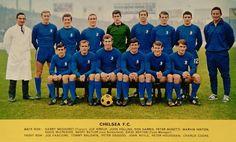 Chelsea team group in Chelsea Fc Team, Chelsea Squad, Chelsea Football, Football Team, John Hollins, Peter Bonetti, British Football, Back Row, Stamford Bridge
