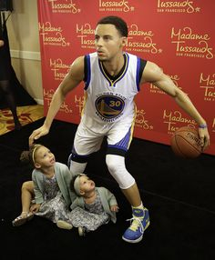 Riley & Ryan : Stephen's Curry daughters.
