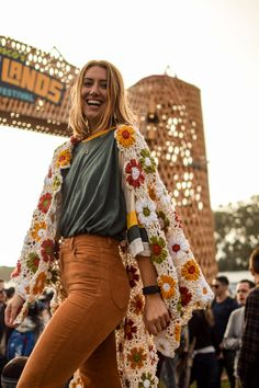 Outside Lands & Festival Crochet Tips! www.odysseydesigns.co Crochet Clothes, Diy Clothes, Pretty Outfits, Cute Outfits, Mode Hippie, Mein Style, Hippie Outfits, Facon, Crochet Fashion