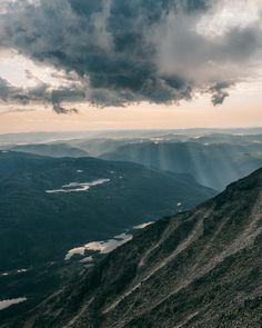 Guide to hiking Gaustatoppen in Telemark, Norway - How to see one-sixth of mainland Norway from Telemark's highest mountain + Best Tips & Routes to the Top. #mountain #norway #scandinavia Hiking Routes, Hiking Guide, Norway Travel Guide, Park Hotel, Best Hikes, Travel Guides, Mountain, Outdoor, Tips